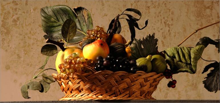 Cesto di frutta su modello di Caravaggio