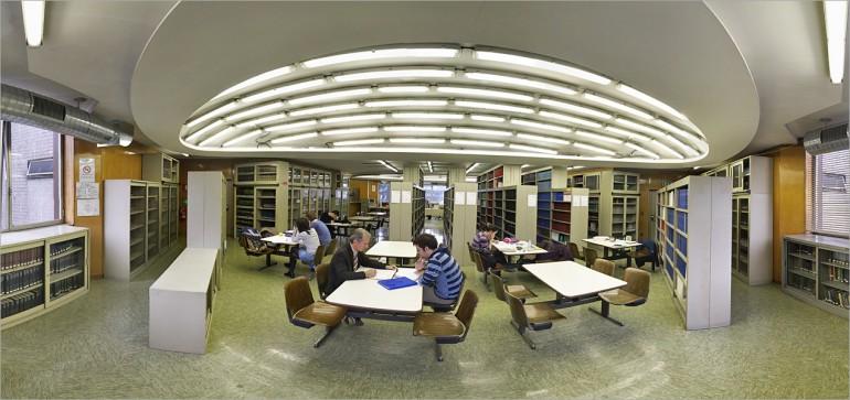 In biblioteca a Città Studi